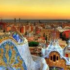 La población extranjera baja un 4% en Barcelona