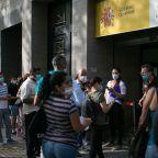 El colapso de las comisarías bloquea los trámites de los ciudadanos extranjeros